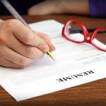10 اشتباه رزومه ای که می تواند شانس شما برای استخدام را تحت تأثیر قرار دهد