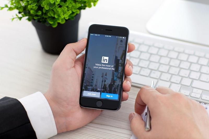 Get Thousands of Views on Your LinkedIn Content راه های افزایش بازدید مباحث و مطالب در لینکدین